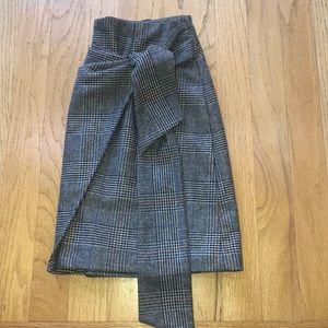 Aritzia Wilfred plaid skirt. Never worn.